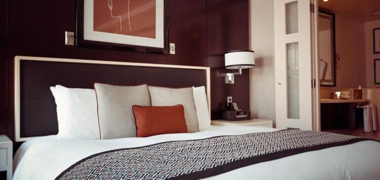 8 Modern Bedroom Ideas